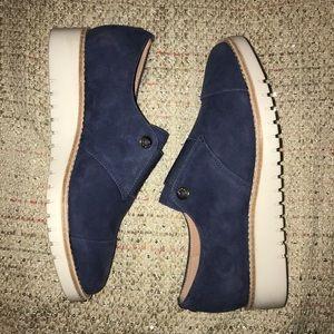 NWOT Taryn Rose blue suede shoes